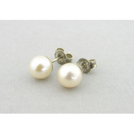 Handmade white A grade pearl sterling silver post earrings