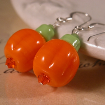 Pumpkin Earrings - orange green pumpkin lampwork sterling silver artisan srajd cserpentDesigns halloween autumn